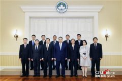 崔世安会见中国民用航空局副局长李健